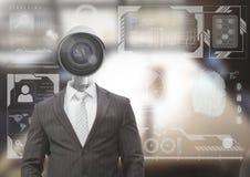 Geschäftsmann mit CCTV-Kopf im Büro mit Schnittstelle Stockfotografie