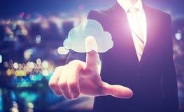 Geschäftsmann mit Datenverarbeitungskonzept der Wolke Stockfotos