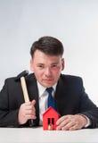 Geschäftsmann mit Hammer Lizenzfreies Stockfoto