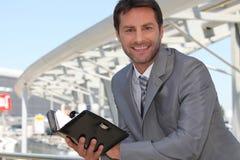 Geschäftsmann mit Tagebuch Lizenzfreies Stockbild