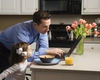 Geschäftsmann mit Tochter. Lizenzfreies Stockbild