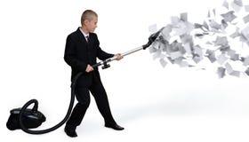 Geschäftsmann sammelt Papierdokumente Stockfoto