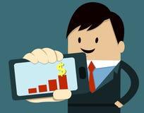 Geschäftsmann-Show-intelligentes Telefon, Diagramm Lizenzfreie Stockfotografie