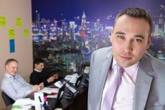 Geschäftsmann und Personal von Angestellten Stockfoto