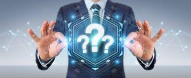 Geschäftsmann unter Verwendung der Wiedergabe der digitalen Schnittstelle 3D der Fragezeichen Lizenzfreie Stockfotos