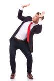 Geschäftsmann verteidigt sich lizenzfreie stockbilder