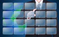 Geschäftsmann wählen auf Knopfaugenblick Stockfotos