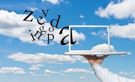 Geschäftsmann-Wolkendatenverarbeitung Lizenzfreie Stockfotos