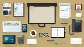 Geschäftsmanndesktop mit Aktenkoffer stock abbildung