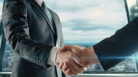 Geschäftsmannhändeschütteln bei der wichtigen Sitzung in Version Montreals USA viertes stock video
