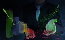 Geschäftsmannhand, die mit neuem modernem Computer arbeitet Lizenzfreies Stockfoto