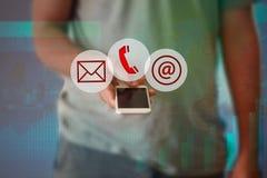 Geschäftsmannhandpressetelefonon-line-Knopfikone Lizenzfreie Stockbilder