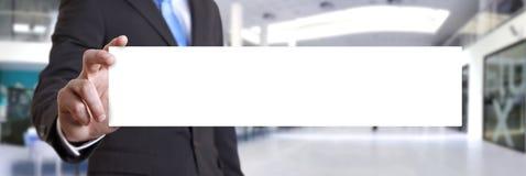 Geschäftsmannholding Visitenkarte Lizenzfreie Stockfotografie