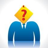 Geschäftsmannkopfabdeckung mit Fragezeichen-Papieranmerkung Stockfotografie