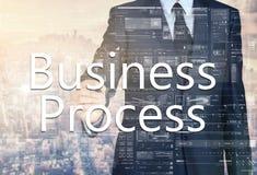 Geschäftsmannschreiben Geschäftsprozess auf transparentem Brett mit c Stockfotos