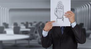 Geschäftsmannshowplakat der Hand angehoben Stockfotografie