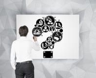 Geschäftsmannzeichnungs-Fragezeichen Lizenzfreie Stockfotos