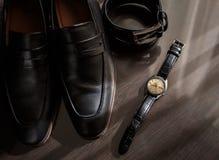 Geschäftsmannzubehör Mann ` s Art Männer ` s Zubehör: Männer ` s Schmetterling, Männer ` s Schuhe, Männer ` s Uhren Stockfoto