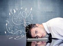 Geschäftsperson mit frustrierten Gedanken Stockbild