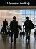 Geschäftsreisende in Bewegung Lizenzfreie Stockbilder