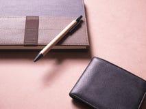 Geschäftssatz des Notizbuches mit klebriger Anmerkung in der kreativen Idee des Konzeptes Stockbild