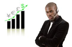 Geschäftsstützmann mit steigendem Diagramm
