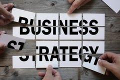 Geschäftsteam, das eine Geschäftsstrategie findet Stockfotos