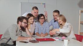 Geschäftsteam, das Teamfoto macht stock video