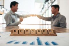 Geschäftsteambesprechung und Diskussionskonzept, Erfolgswort auf wo Lizenzfreie Stockfotografie