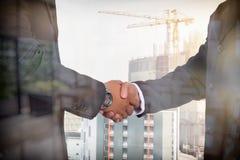 Geschäftsteambesprechung und stimmen zu Stockbilder