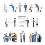 Geschäftsvölker in den verschiedenen Haltungen Stockfoto