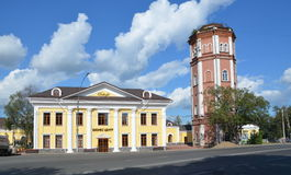 Geschäftszentrum Bellagio und alter Wasserturm in Vologda Lizenzfreie Stockfotos