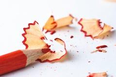 Geschärfter roter Bleistift lizenzfreies stockfoto