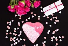 Geschenk auf Valentinstag lizenzfreies stockbild