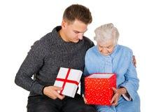 Geschenk für eine schöne Großmutter Lizenzfreies Stockbild