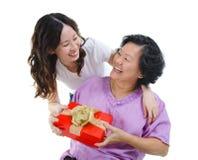 Geschenk für Mutter stockbilder