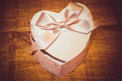 Geschenk für Valentinstag Lizenzfreie Stockbilder