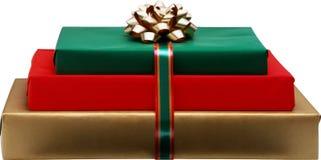 Geschenk im Feiertagspapier Lizenzfreies Stockbild