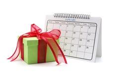 Geschenk-Kasten und Kalender Stockfotografie