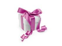 Geschenk mit rosafarbenem Farbband stockbilder