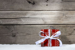Geschenk und Stechpalme Stockfotografie