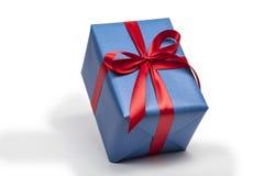 Geschenk und Stechpalme Lizenzfreie Stockfotos