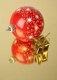 Geschenk- und Weihnachtsdekoration Stockbild