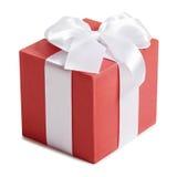 Geschenkbox mit Band und Bogen auf weißem Hintergrund Lizenzfreies Stockfoto