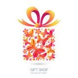 Geschenkbox mit Schmetterlingen, Herzen und Bogenband Stockfoto