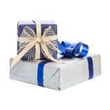 Geschenkbox zwei mit Farbband Stockfotografie