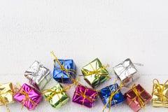 Geschenkboxen für Weihnachtshintergrund Lizenzfreie Stockbilder