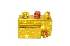 Geschenkboxen getrennt auf weißem Hintergrund lizenzfreie stockbilder