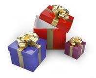 Geschenkboxen mit Goldbändern und -bögen Lizenzfreie Abbildung