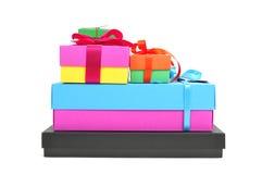 Geschenkboxen verschiedene Farben Lizenzfreie Stockfotos